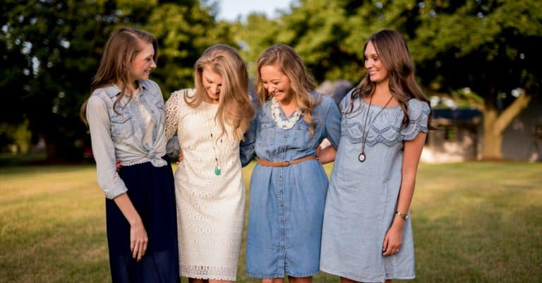 10 Bible Verses That Define Friendship in the Body of Christ